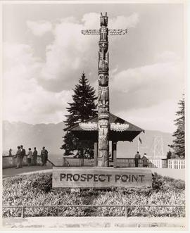 Totem pole, Prospect Point, Stanley Park, Vancouver, British Columbia