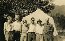 Harry and Benjamin Seidelman with a group of unidentified people