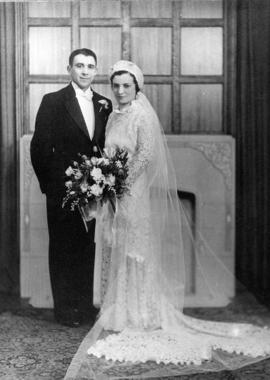 Wedding portrait of Esther & Ben Dayson, first Jewish Community Centre