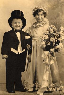 Portrait of Ada Nemetz and Harold Nemetz as children in fancy dress