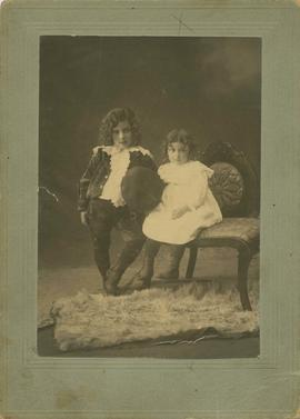 Portrait of Joseph and Rachel Seidelman as young children