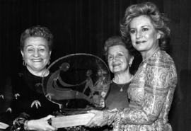 Barbara Walters received B'nai B'rith Women Perlmen Award in New York City