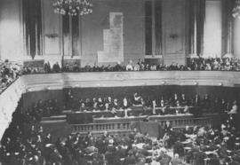 Dr. Theodor Herzl addresses Zionist Congress