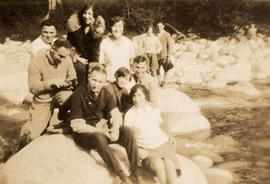 Harry Seidelman and friends on a picnic