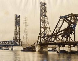 Construction on centre lift span, Second Narrows Bridge, Vancouver, British Columbia