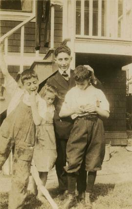 Harry Seidelman, the Mallek boys, and an unidentified girl