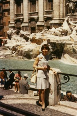 Elaine at the Fontana di Trevi