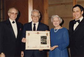 Jewish National Fund presents award to unidentified couple