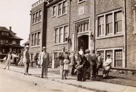 Unidentified group in front of the first Jewish Community Centre of Greater Vancouver