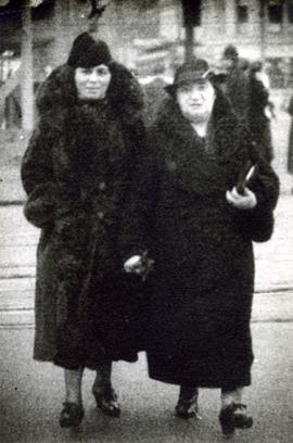 Jane Fromson and an unidentified woman