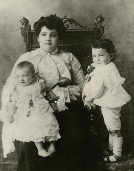 [Mrs. Ann Snider with Jeanette Snider as a baby and Irving Snider as young child posing for a por...
