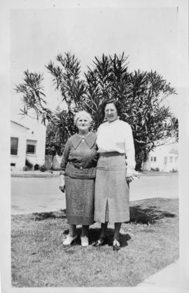 Rose Soskin and her mother Amalia Hyams