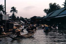 Klong with small boat traffic