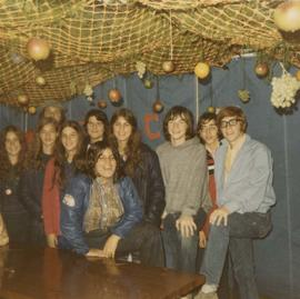 Beth Israel youth decorate Louis Brier Home on Sukkot