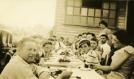 [Unidentified group of people at a picnic table] in White Rock, BC
