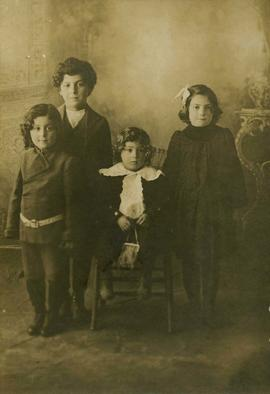 Portrait of Joseph, Rachel, Harry, and Benjamin Seidelman as young children