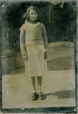 [Ferrotype] of unidentified young girl